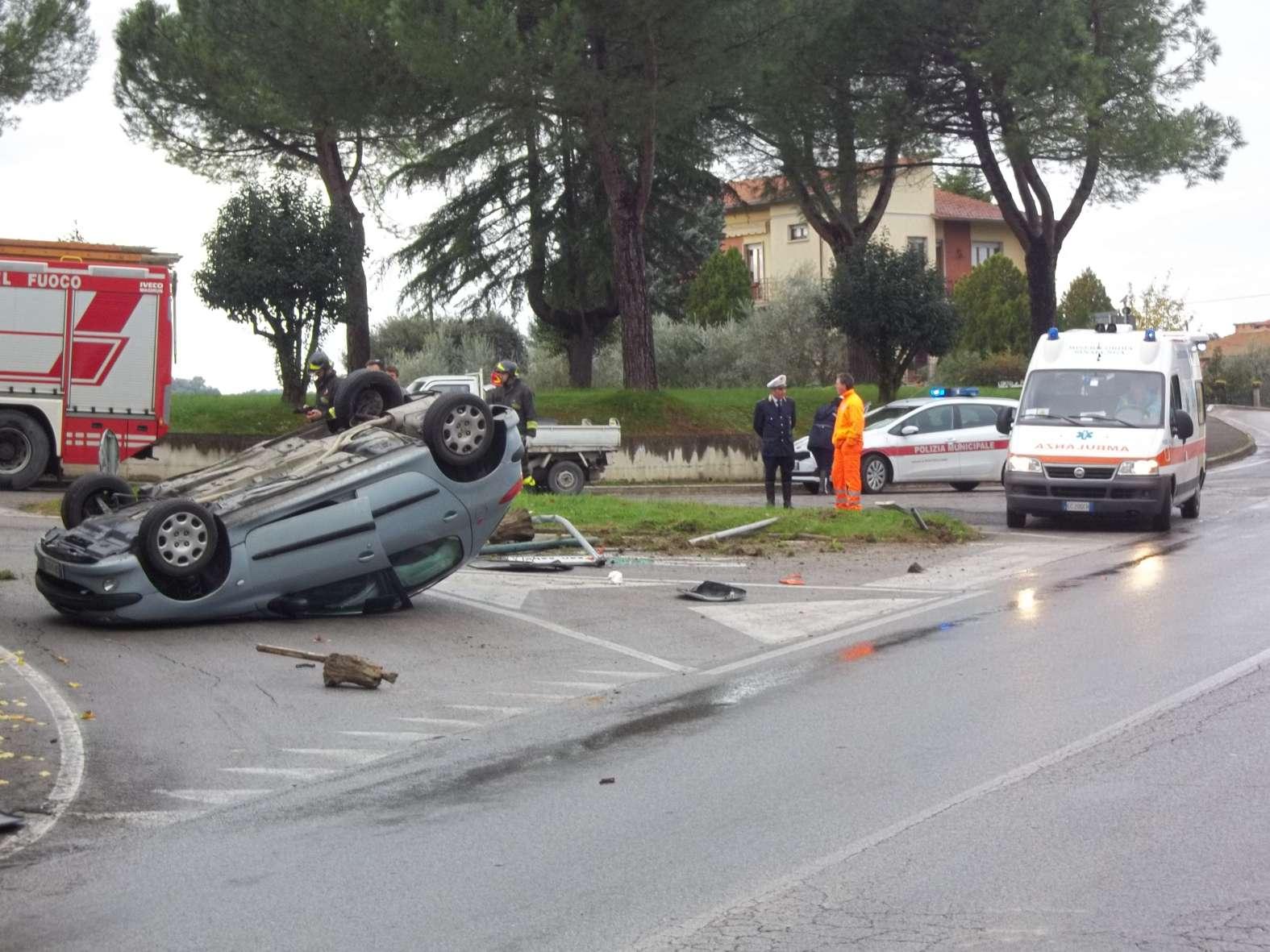 Tribunale di Firenze: incidente in auto, risarcita anche la fidanzata